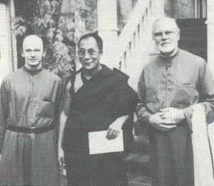 The visit of H.H. The Dalai Lama to the Vendôme Priory in 1980. From left to right: Laurence Freeman, Dalai Lama, John Main.